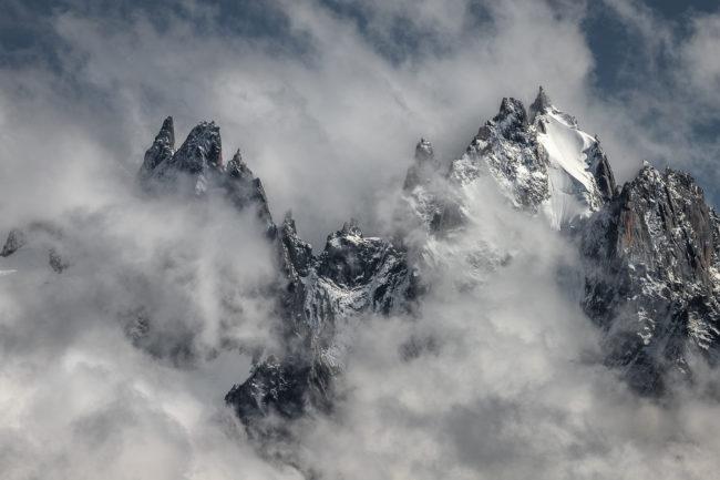 nicolas-rottiers-tirages-emergence-montagne-brume-alpes